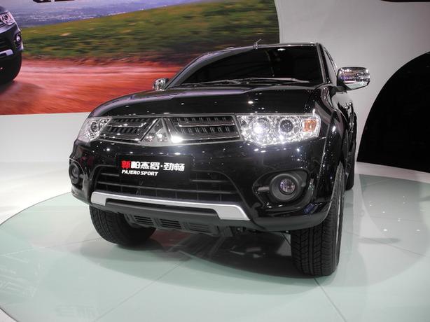 三菱汽车在俄罗斯工厂投产中型SUV车型 帕杰罗Sport高清图片